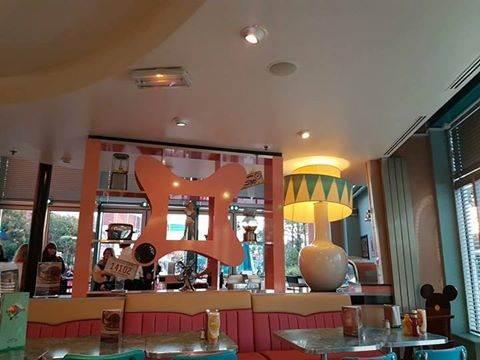 Annette's Diner (Disney Village) - Page 6 14563441_524226881100682_1634373173339773150_n