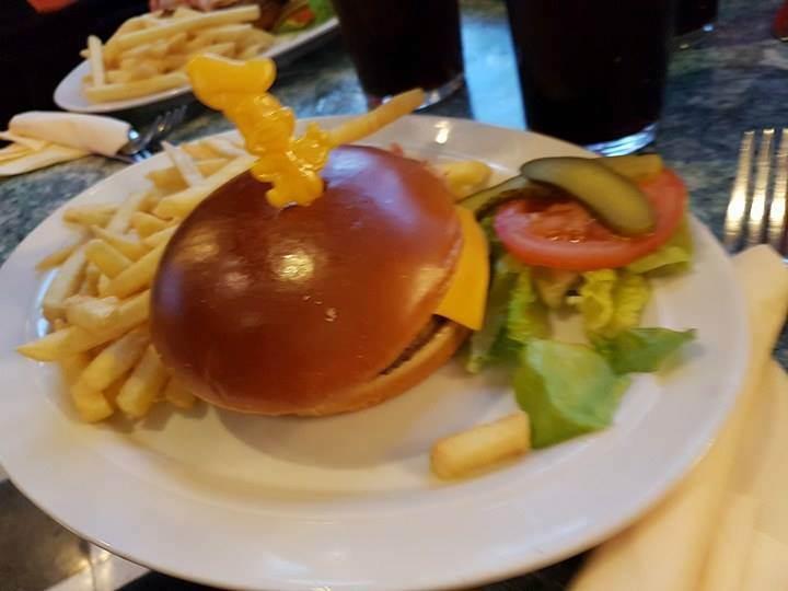 Annette's Diner (Disney Village) - Page 6 14581389_524227857767251_6630862606967627987_n